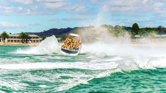 jet-boating-bay-of-islands-extreme-jet-feature-2-960x540